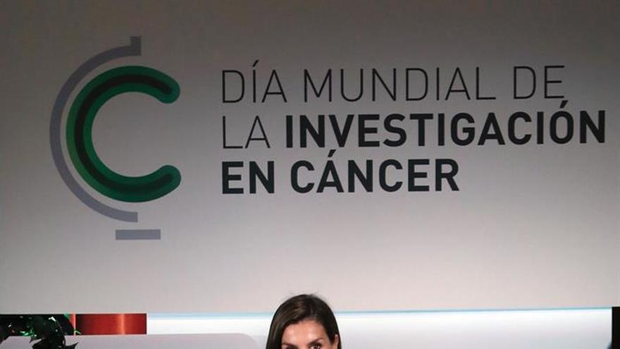 La Reina apela a la unidad de especialistas y farmacéuticas frente al cáncer