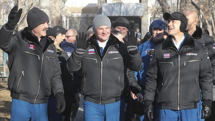 La Soyuz TMA-07M, con tres tripulantes a bordo, aterriza sin contratiempos