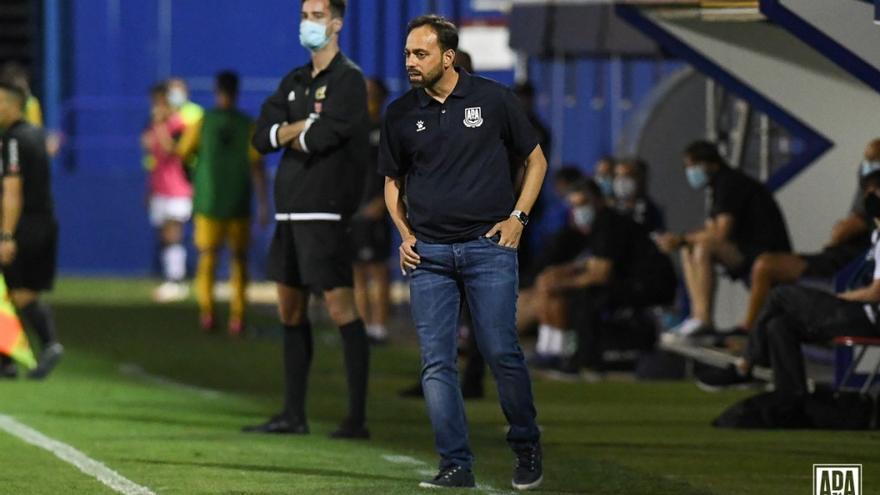 Fran Fernández viene de dirigir al Alcorcón.