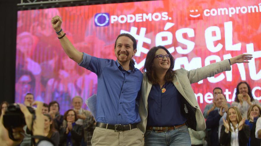 Pablo Iglesias y Mónica Oltra, en el mitin de Alicante.