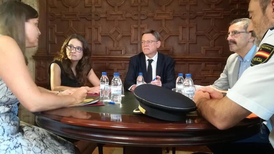 Reunión sobre seguridad de Anaïs Menguzzato, Mónica Oltra, Ximo Puig y José María Ángel.