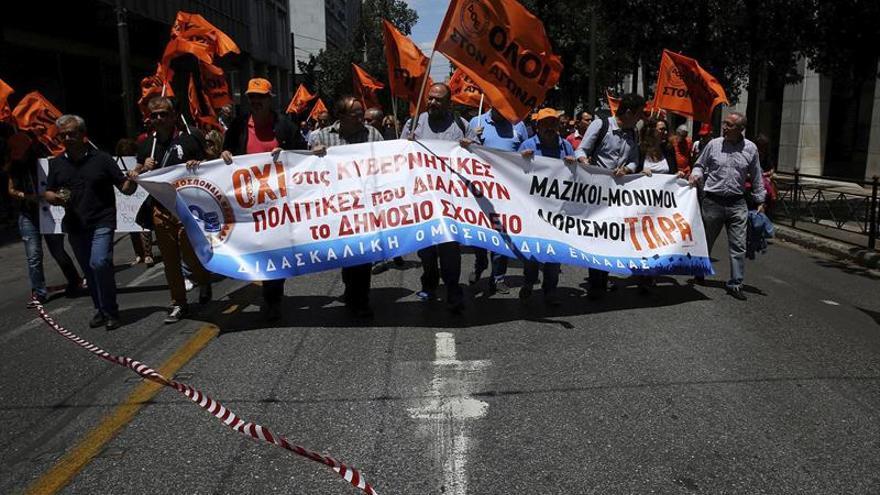 Huelga de funcionarios griegos contra las reformas del Gobierno de Tsipras