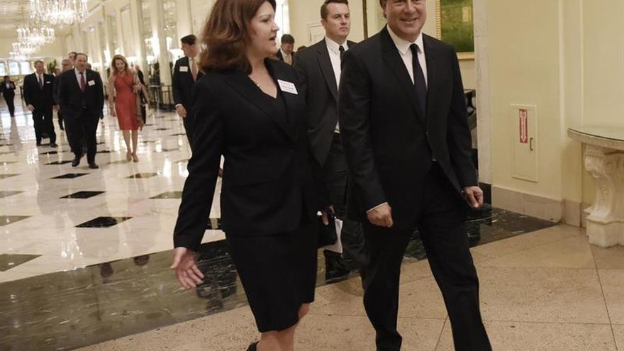 El presidente panameño aborda el blanqueo de dinero con el secretario del Tesoro de EE.UU.