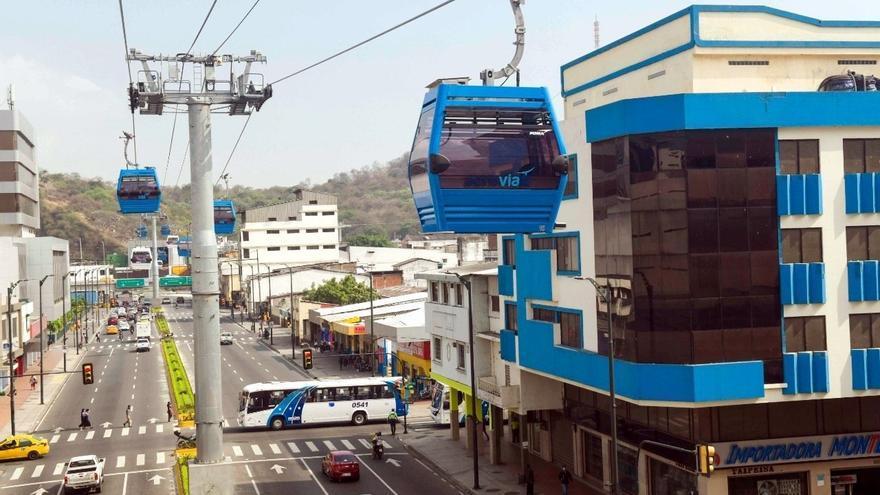 """Guayaquil inaugura moderna """"Aerovía"""" en medio de la pandemia del coronavirus"""