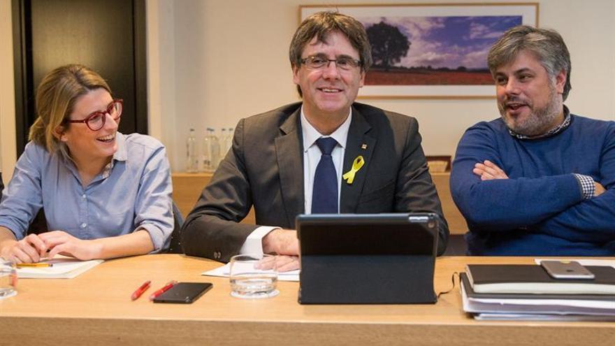 Puigdemont se reúne con Artadi, Torra y Batet para analizar la formación del Govern