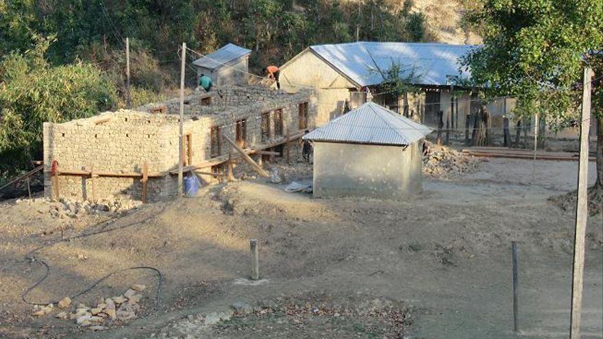Colegio construido por Sonrisas y Montañas