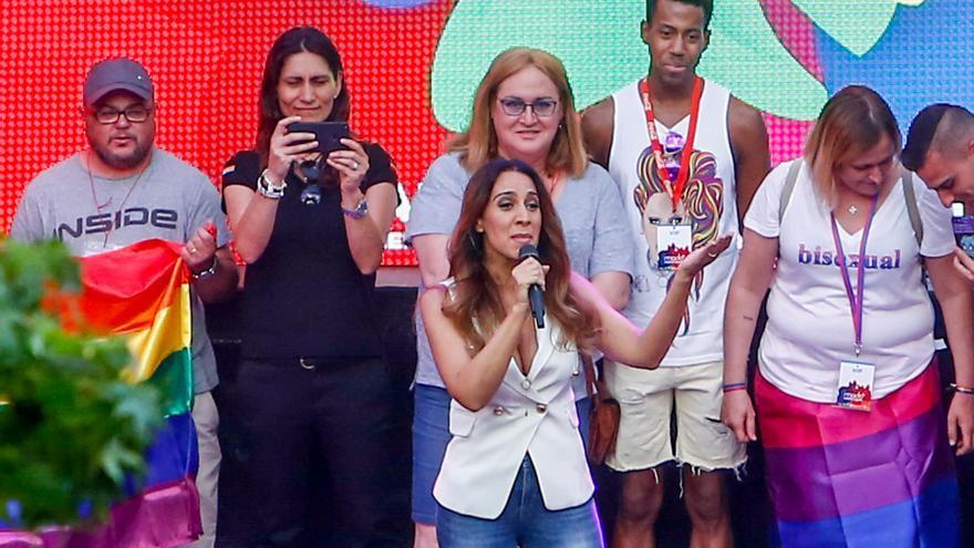 La cantante Mónica Naranjo da el pistoletazo de salida al Orgullo LGTB en Madrid