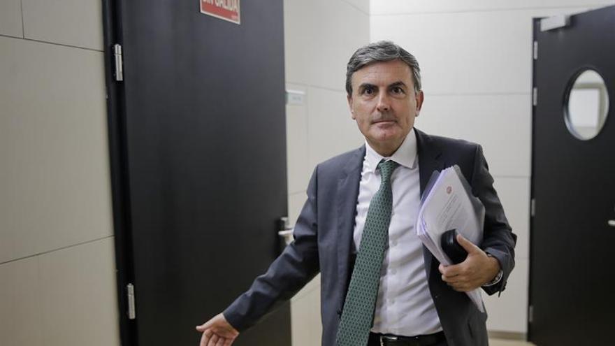 """El PSOE ve como una """"agresión"""" a los socialistas el 'tramabús' de Podemos"""