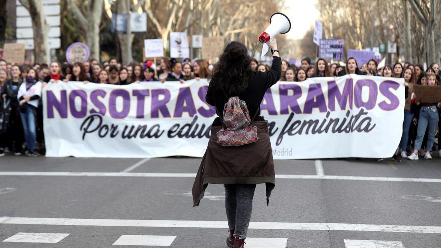 Vista del inicio de la manifestación en Madrid convocada con motivo del 8M para reclamar una igualdad real entre hombres y mujeres y denunciar las violencias machistas.