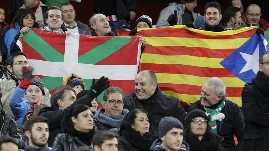 Manifestación de apoyo a la independencia de Euskadi y Cataluña.