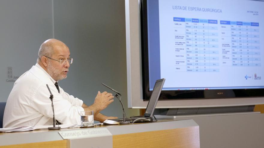 Igea explica el desfase detectado en las listas de espera de Sanidad.