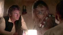 Han Solo y Chewbacca en la célebre escena de la cantina