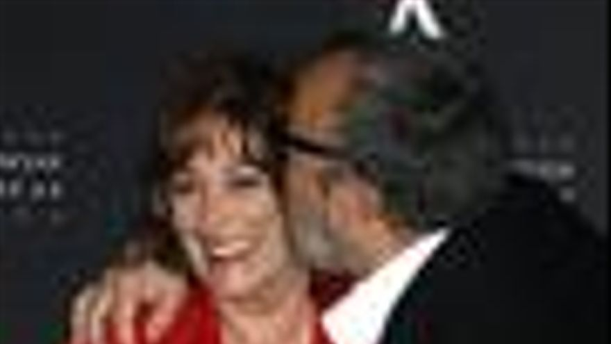 Carmen Maura recibe la Medalla de Oro de la Academia