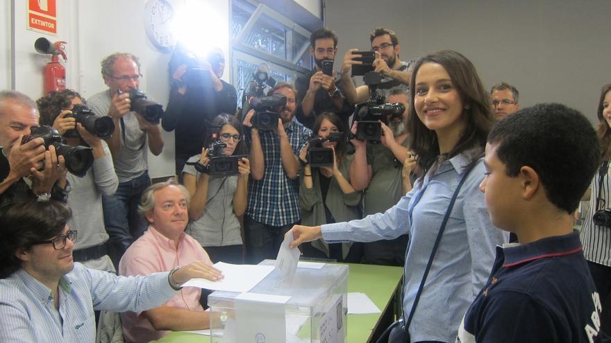 """Arrimadas espera una participación """"masiva"""" en sus primeras elecciones como candidata"""