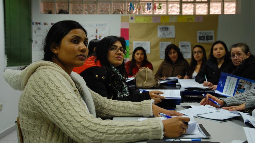La ONG Fundeso oferta cursos de formación a mujeres inmigrantes en situación de vulnerabilidad/ Eva Garrido