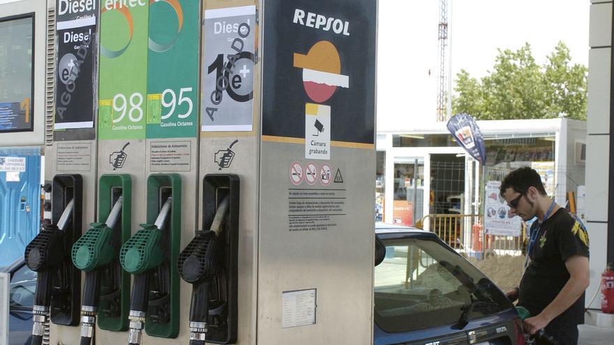 El carburante ya es más caro en Extremadura que en Portugal, según Aresex