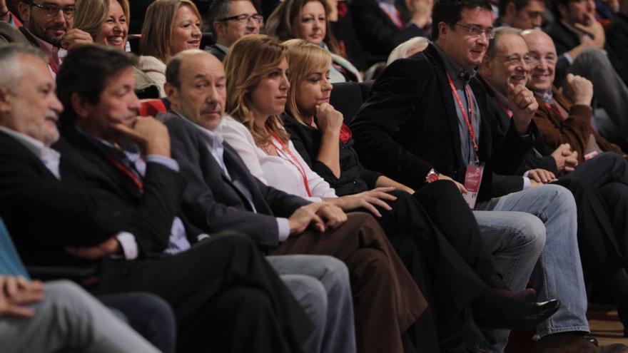 Rubalcaba se apoya en Andalucía, que da su respaldo a la dirección pero pide poner en marcha los cambios