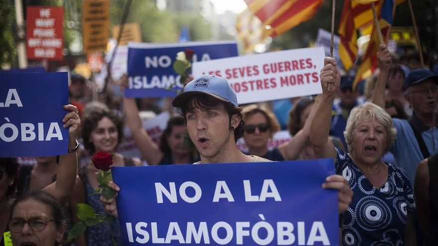En la manifestación se han podido ver muchos mensajes en contra de la islamofobia