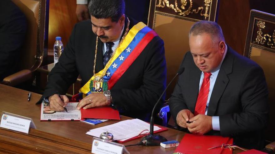 Maduro aumenta el salario mínimo un 300 % y mantiene el pago de nóminas privadas