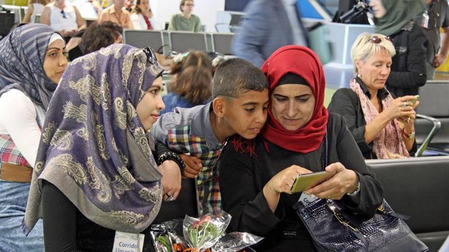 Inmigrantes llegados por mar a Europa este año superan los 100.000, según OIM