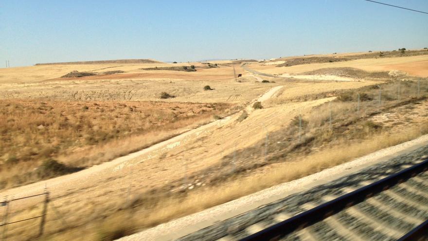 Sequía desde el tren.