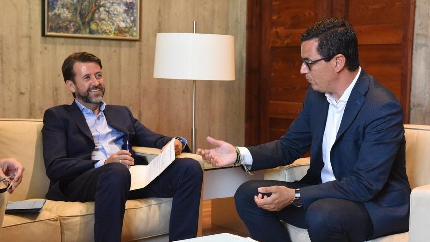 Carlos Alonso y Pablo Rodríguez, en la reunión de este lunes