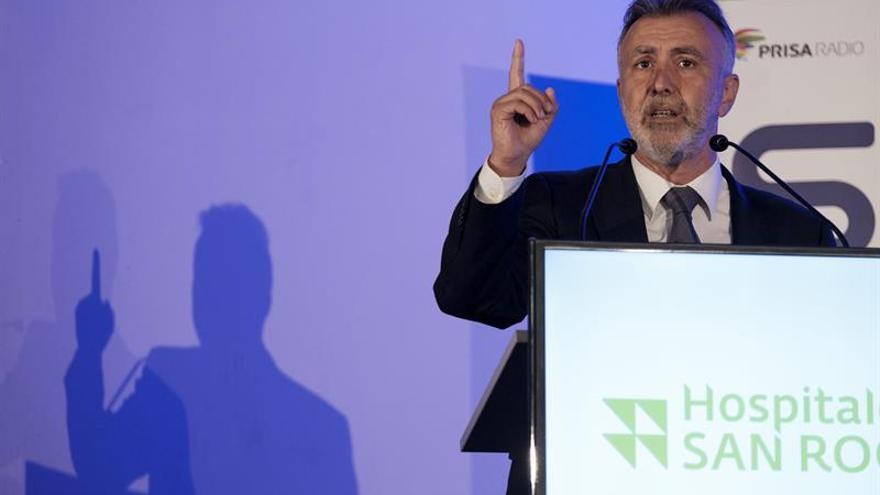 El nuevo secretario general del PSOE de Canarias, Ángel Víctor Torres, en el foro que organiza la Cadena SER en Las Palmas de Gran Canaria.