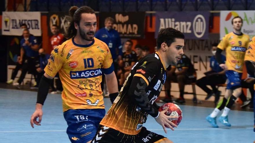 Un jugador del Ángel Ximénez durante un partido