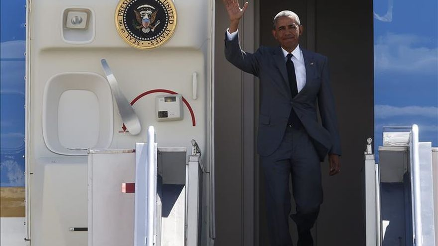 Obama llega a Manila para participar en la cumbre de APEC