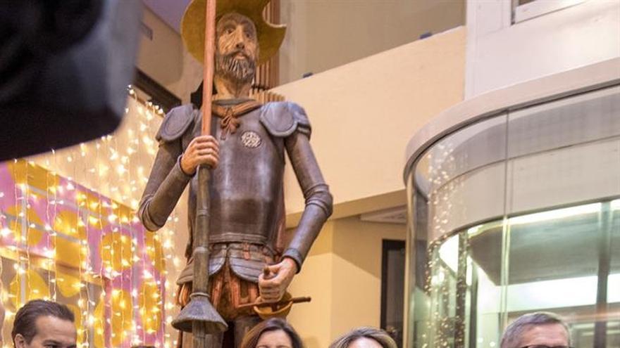 El Quijote de mazapán gana al caramelo Disney y consigue el Récord Guinness