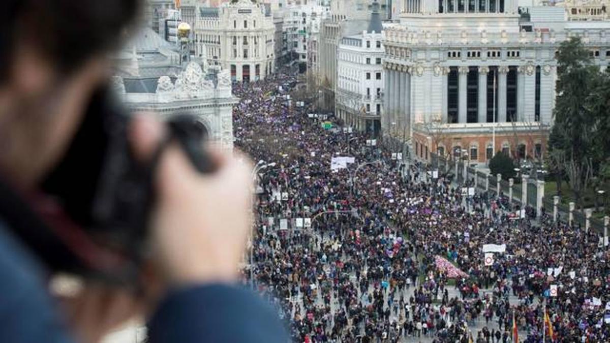 Vista aérea de la manifestación del 8M de Madrid / EFE