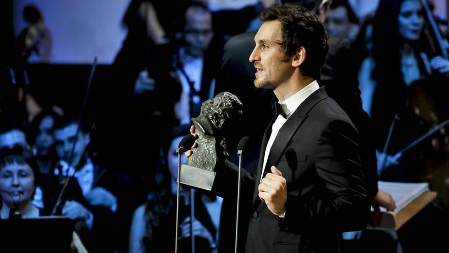 Raúl Arévalo recoge el Goya 2017 a la Mejor Dirección Novel por 'Tarde para la ira'