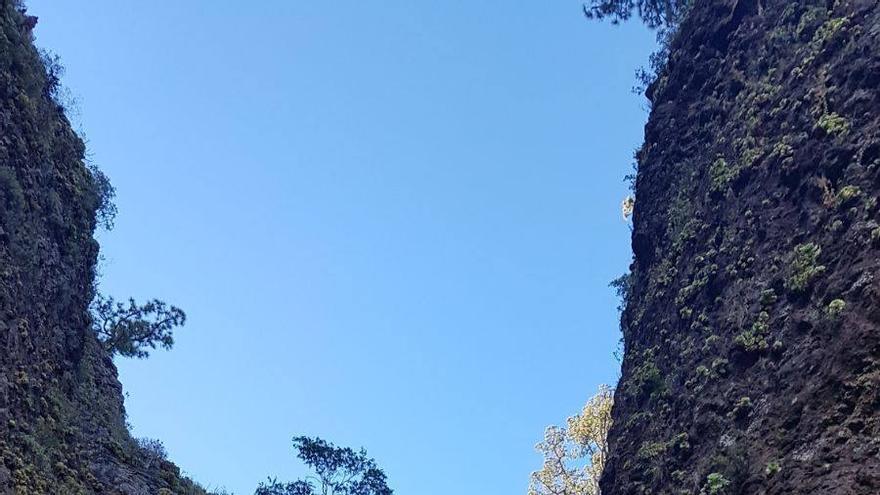 Rápel para acceder al Andén de la Cañada, en La Caldera de Taburiente.  Foto: Parque Nacional.