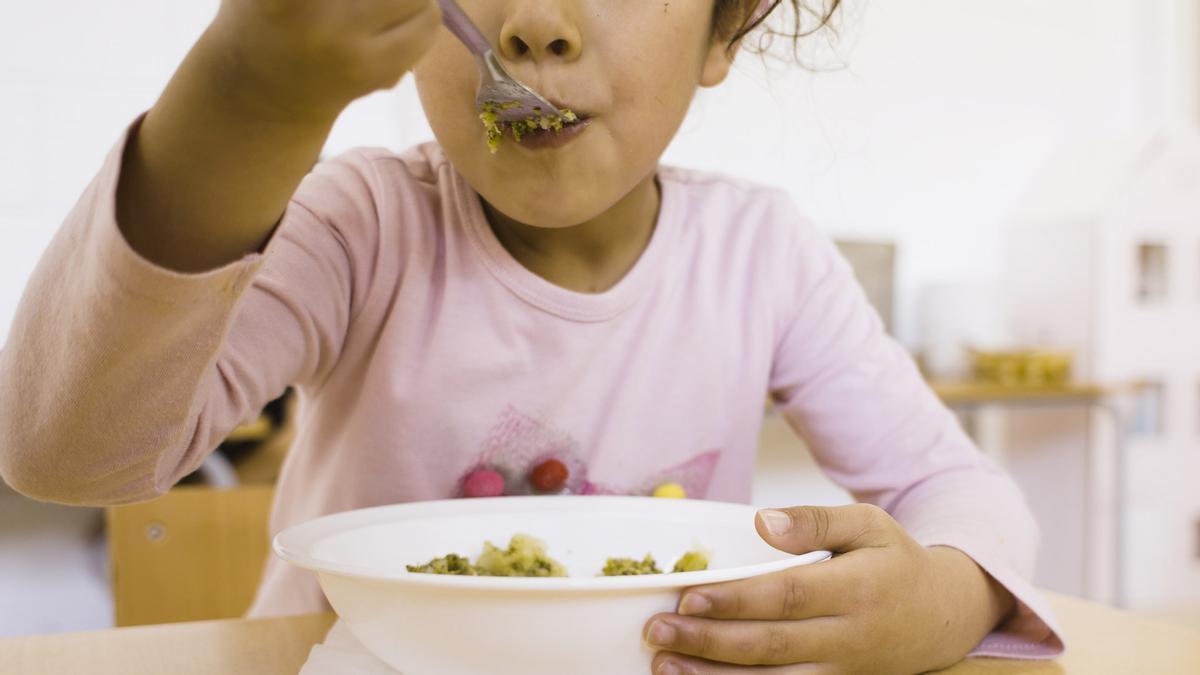 Muchas familias se quedan sin un apoyo económico para su alimentación o una beca comedor pública en verano