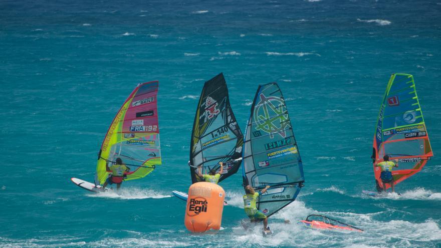 Prueba de Slalom el Campeonato de Windsurfing de Fuerteventura