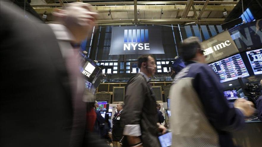 Wall Street abre con pérdidas y el Dow Jones baja un 0,21 por ciento