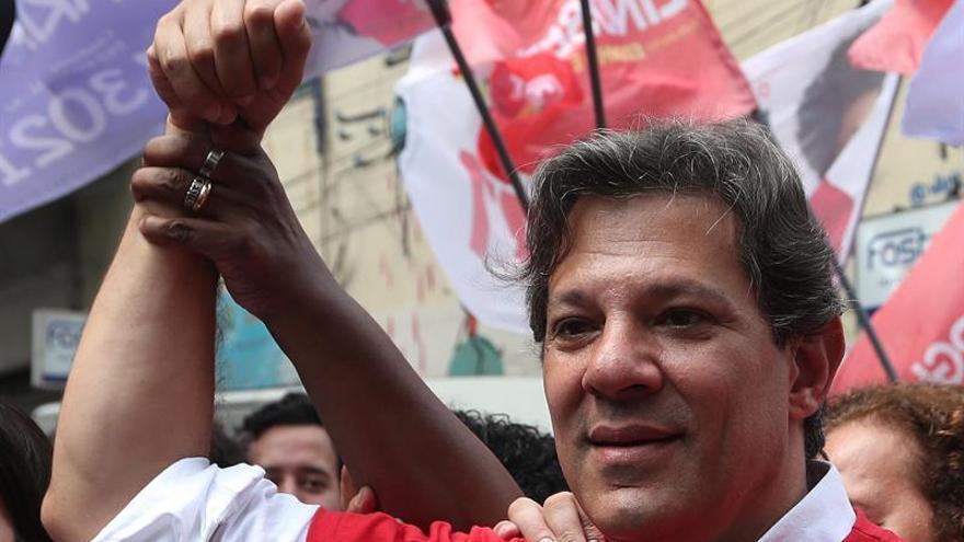 Haddad afirma que no indultará a Lula si llega a la presidencia de Brasil