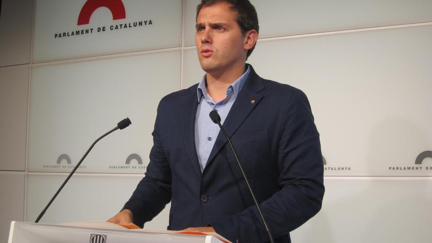 """Rivera (C's) acusa a Mas de sufrir el """"síndrome de los brotes verdes"""" de Rajoy y Zapatero"""