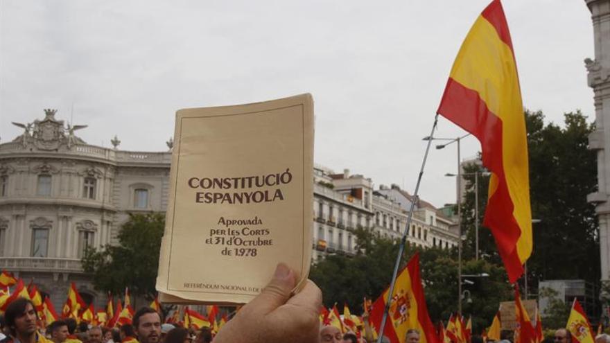 """Diez mil personas se concentran en Madrid por """"la unidad de España"""""""
