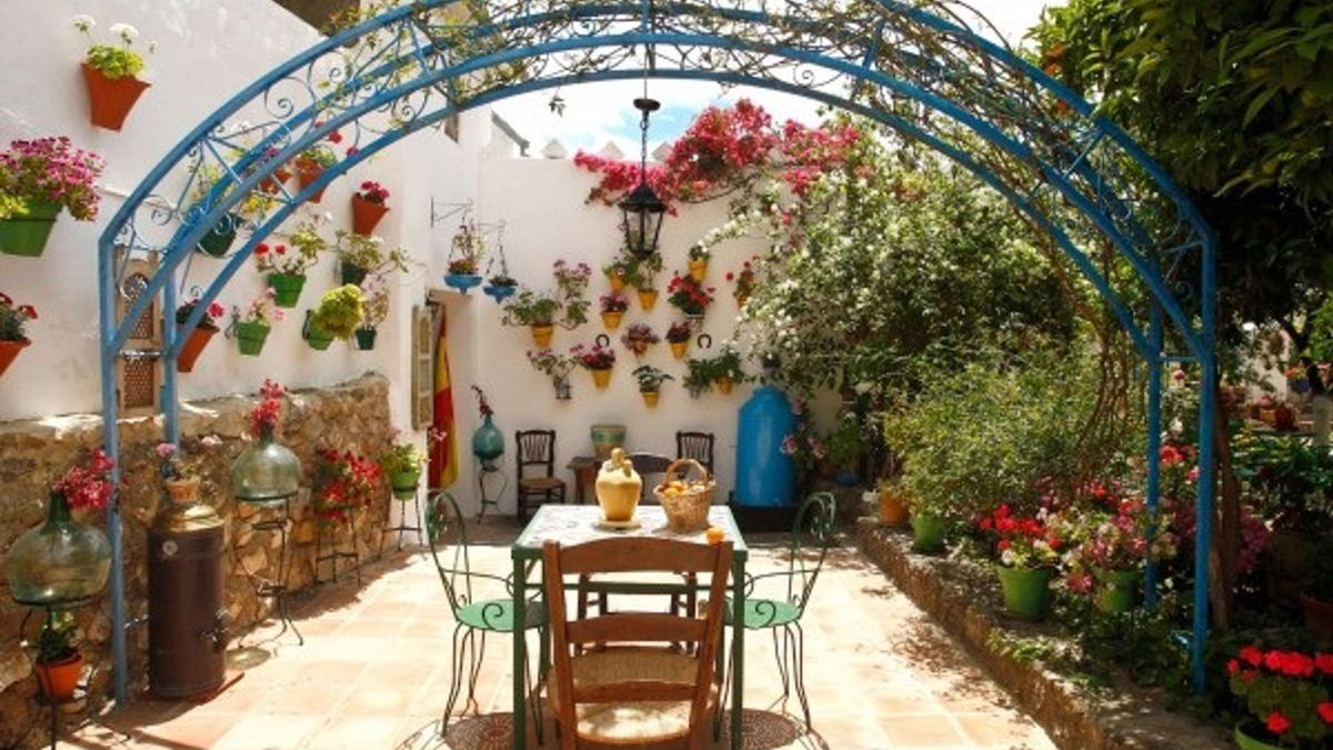 Uno de los espacios galardonados en el Concurso de Patios, Rejas y Balcones de la provincia.
