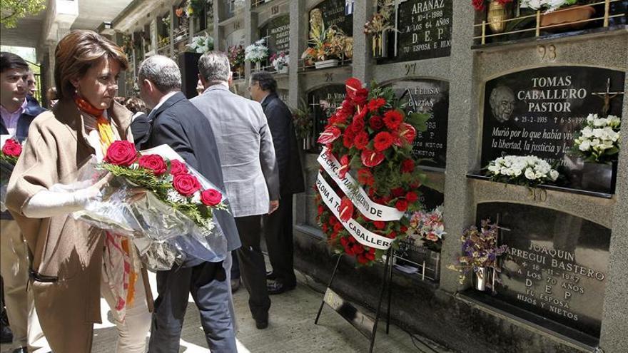 Bildu asiste por primera vez al homenaje de Caballero, asesinado por ETA