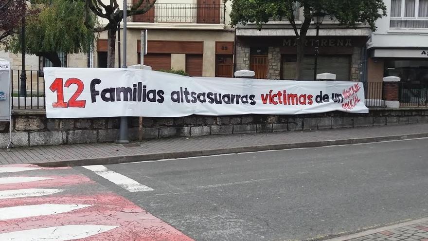Alsasua se llena de carteles contra las detenciones por la agresión a dos guardias civiles