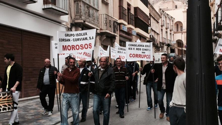 Protesta de los trabajadores del IES Francisco Ros Giner de Lorca