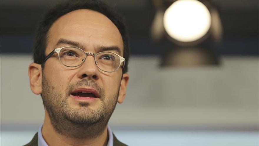 El PP entierra la petición del PSOE de reformar la Constitución