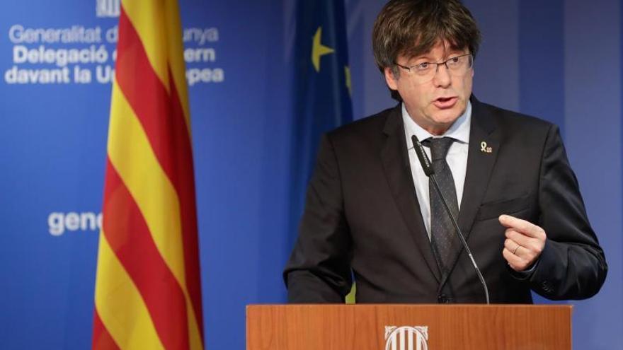 """Puigdemont denuncia una """"deslealtad"""" tras conocer la iniciativa de Torrent"""