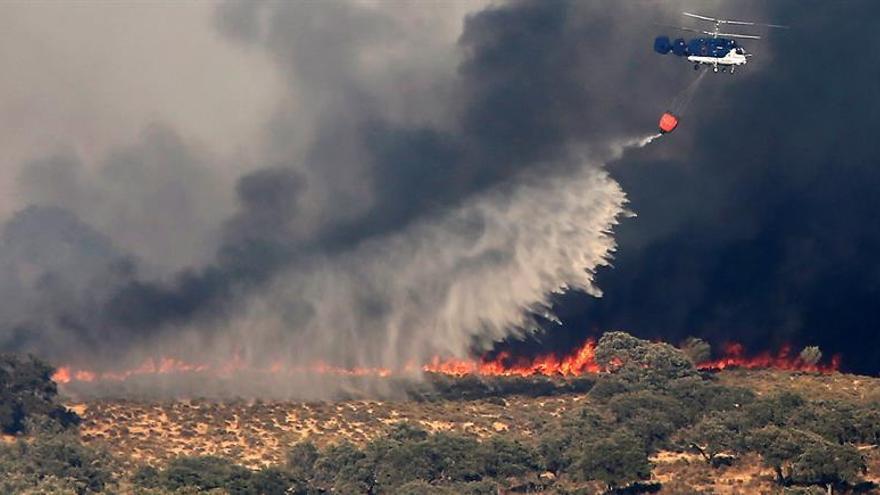 Extinguido el fuego de El Castillo de las Guardas tras quemar 1.845 hectáreas