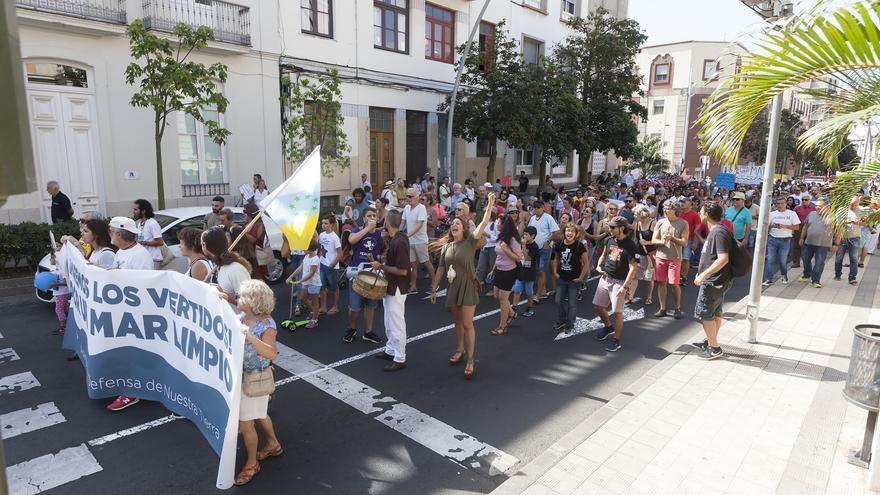 Vista más general de las personas que este sábado se movilizaron en Santa Cruz