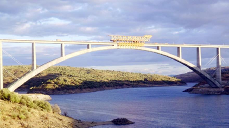 Viaducto Almonte Cáceres alta velocidad
