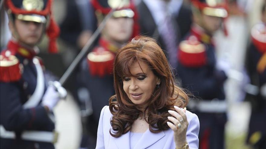 La imagen de la presidenta argentina cae tras la muerte del fiscal Nisman