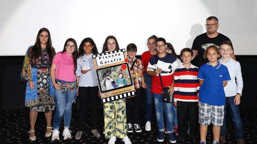 Alumnos y profesores del CEIP Santo Domingo.
